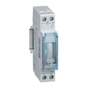 Interrupteurs horaire & interrupteurs crépusculaire -Interrupteur horaire journalier 1 module vert. - 100h - 50/60Hz - man.