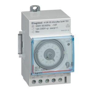 Interrupteurs horaire & interrupteurs crépusculaire -Inter horaire journalier 3mod 1s 16 A - 250V - auto.